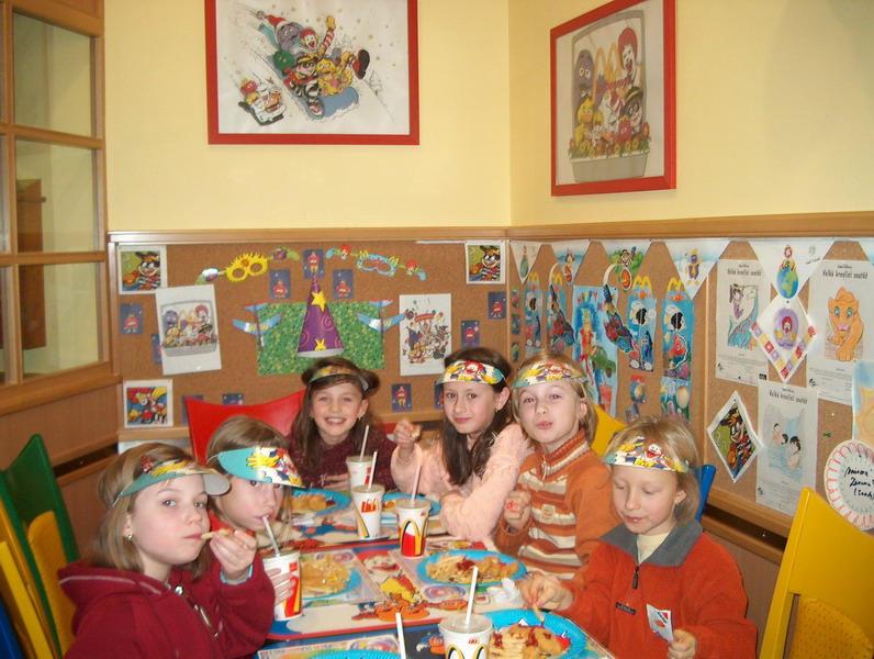 mcdonald oslava narozenin Rodina Chaosova: oslava narozenin u mcdonalda mcdonald oslava narozenin