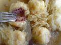 Zemiakové gule plnené údeným mäsom